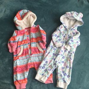 2 infant outfits